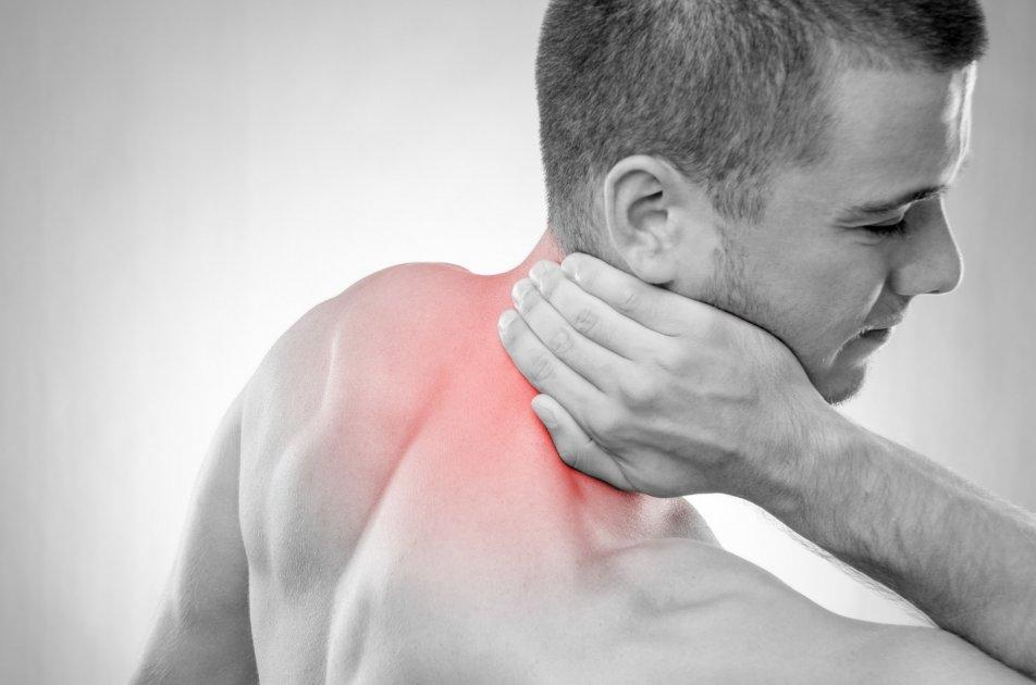 fájdalom a nyaka vállán vállán)