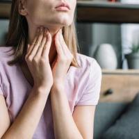 Reggeli torokfájás – mi okozhatja?