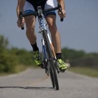 Szabad-e futni, kerékpározni fájós térddel?