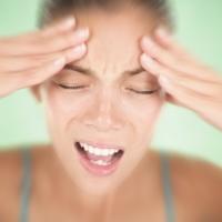 Krónikus fejfájás, tejcsorgás, meddőség- a hipofízis adenoma tünetei is lehetnek