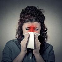 Ez a jellegzetes tünet segíthet eldönteni, hogy náthás, vagy allergiás!