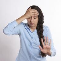 Miért nem múlik a fejfájásom? Ételintolerancia is okozhatja?