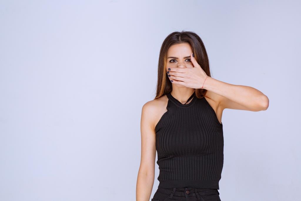 Cserepes ajkak nyáron – ekcéma tünet?