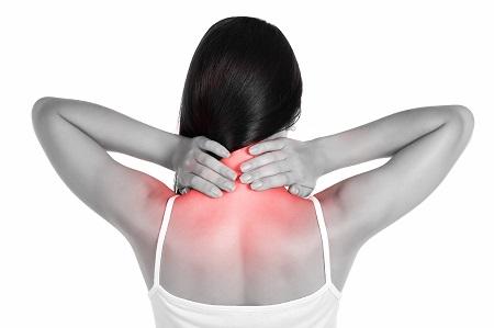 Mi tehetünk, ha a nyakfájdalom kisugárzik a vállba, a karba?