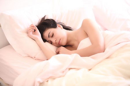 A meleg miatt nem alszik vagy alvászavara van?