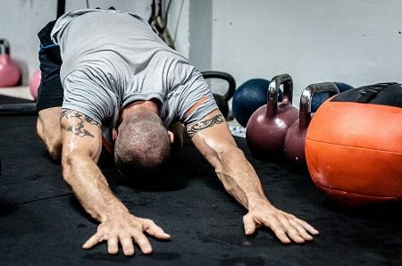 Mellkasi fájdalom sportolás után? Ezért kell kivizsgálni