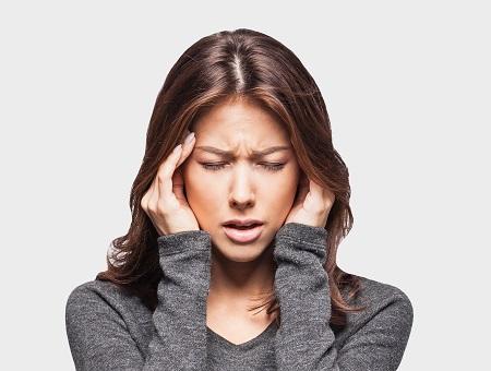 fejfájás a fej hátsó részén magas vérnyomás esetén)