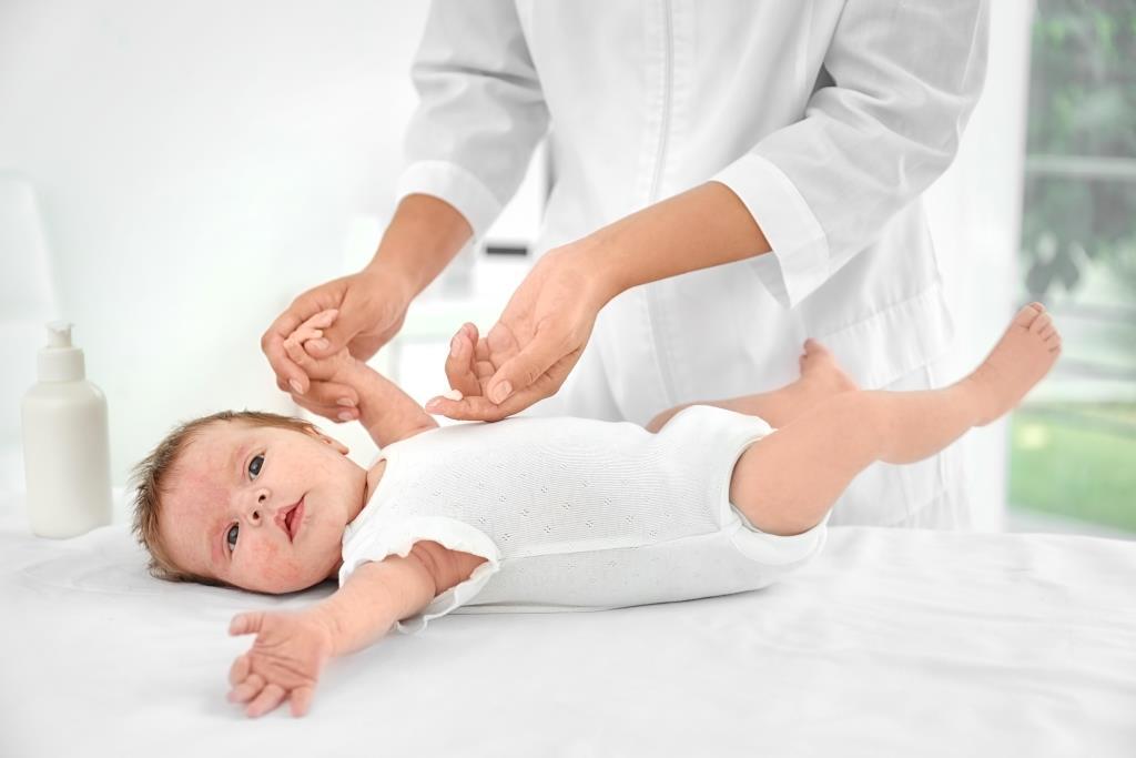 Reflux is okozhat gyakori légúti betegségeket csecsemőknél