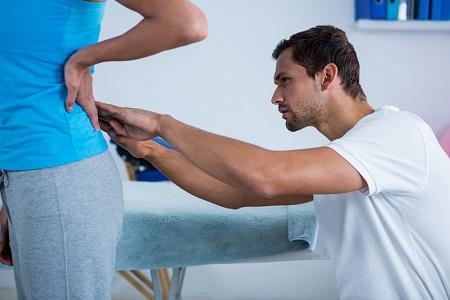 A derékfájás, hátfájás kivizsgálása összetett feladat, amire a hatékony kezelés épülhet.